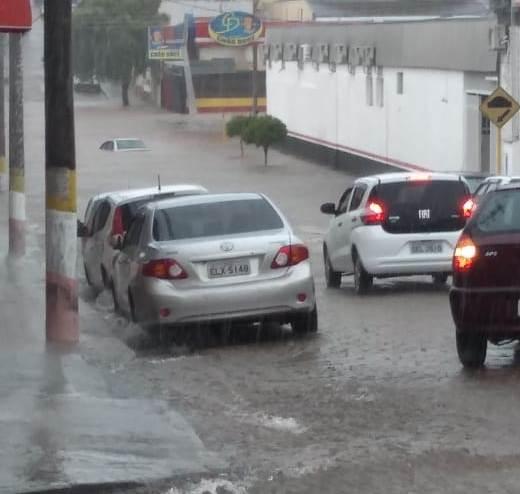 https://www.jornalacomarca.com.br/wp-content/uploads/2019/12/Enchentes-de-quarta-feira-9.jpg