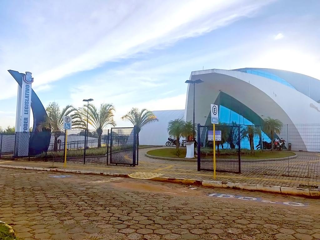 https://www.jornalacomarca.com.br/wp-content/uploads/2019/12/Fachada-da-Câmara-2.jpg