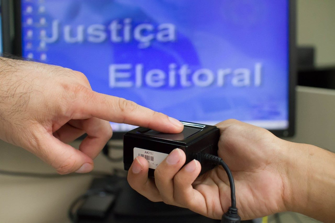 https://www.jornalacomarca.com.br/wp-content/uploads/2019/12/cadastramento-biométrico-1280x853.jpg