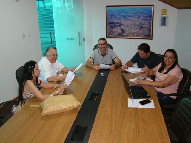 https://www.jornalacomarca.com.br/wp-content/uploads/2020/01/Comissão-Redação-e-Justiça-29-01-2020-1.jpg