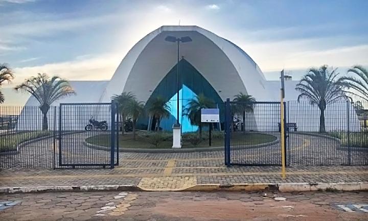 https://www.jornalacomarca.com.br/wp-content/uploads/2020/04/Fachada-Câmara-Avaré.jpg