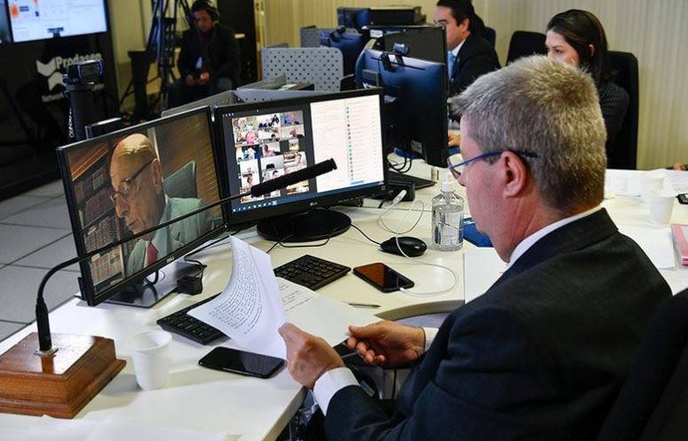 https://www.jornalacomarca.com.br/wp-content/uploads/2020/04/senado-aprova.jpg