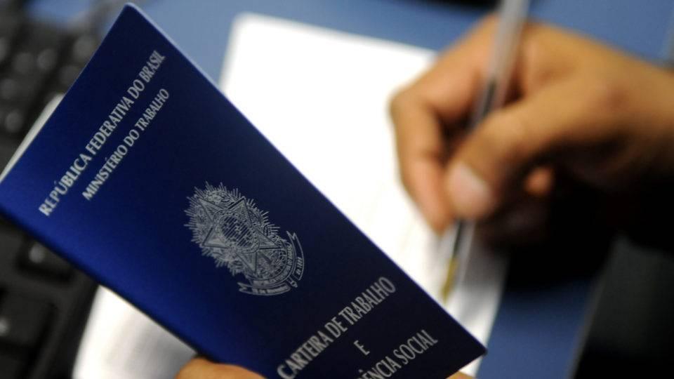 https://www.jornalacomarca.com.br/wp-content/uploads/2020/07/carteira-trabalho-tony-winston-agencia-brasilia-960x540-2.jpg
