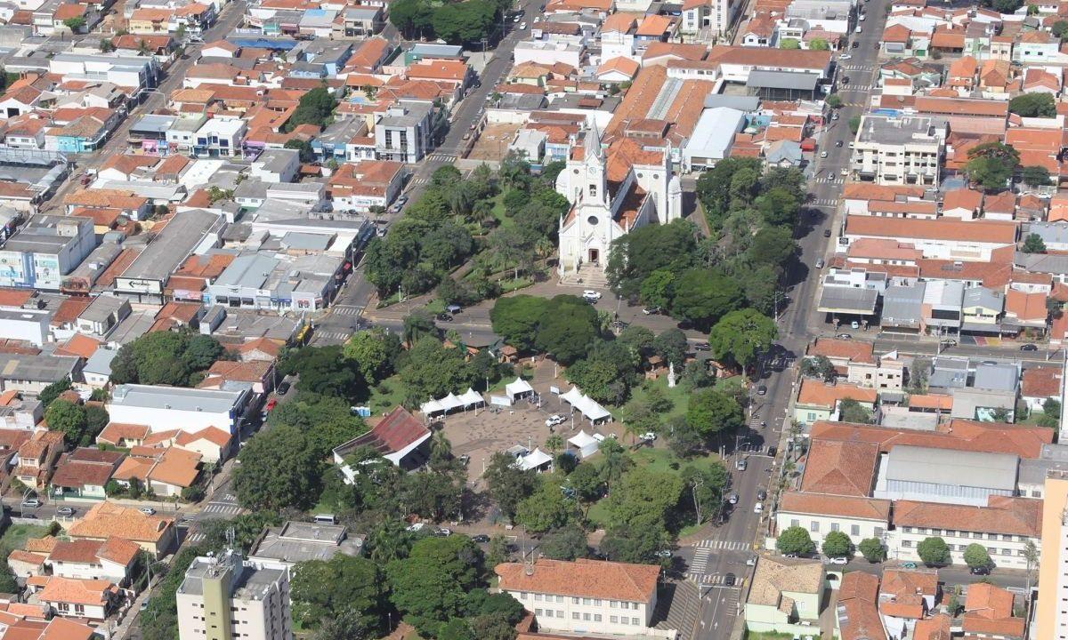 https://www.jornalacomarca.com.br/wp-content/uploads/2020/08/Vista-de-Avaré-1200x720.jpg