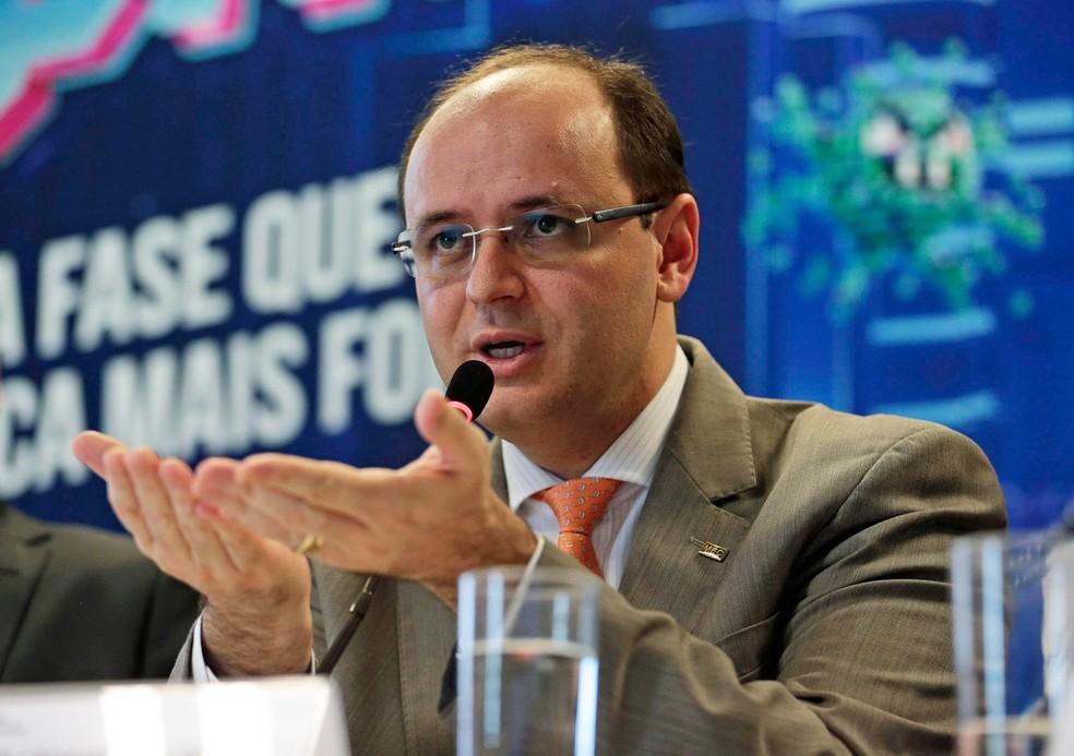 https://www.jornalacomarca.com.br/wp-content/uploads/2020/11/secretario-educacao-rossieli-soares.jpg