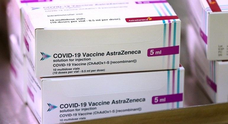 https://www.jornalacomarca.com.br/wp-content/uploads/2021/01/vacina-oxford.jpeg