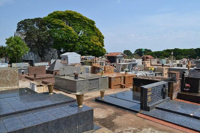 https://www.jornalacomarca.com.br/wp-content/uploads/2021/03/Cemiterio-Municipal.jpg