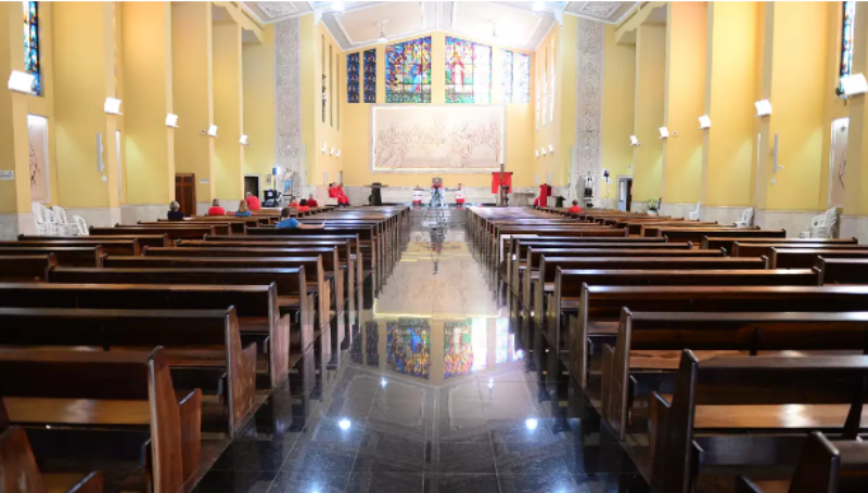 https://www.jornalacomarca.com.br/wp-content/uploads/2021/04/igrejas-vazias.png